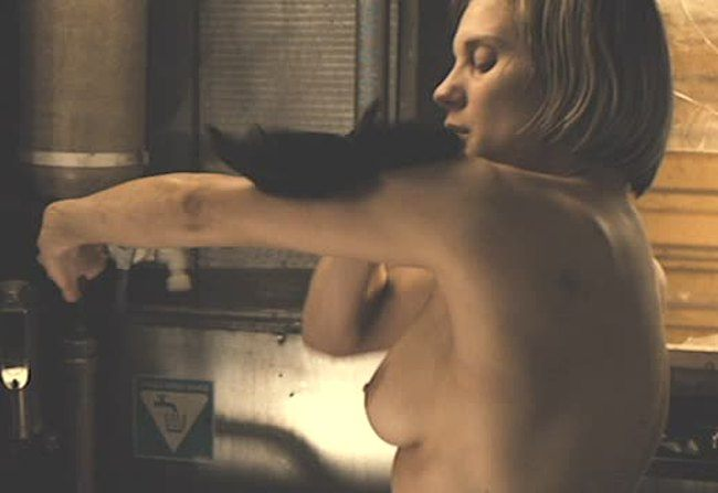 Katee sackhoff concerned being only woman in riddick