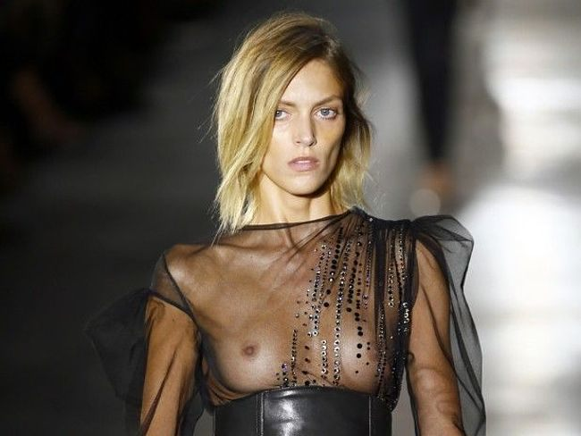 Anja Rubik Showing Her Nice Big Tits And Posing Very Sexy And All Nude For Some