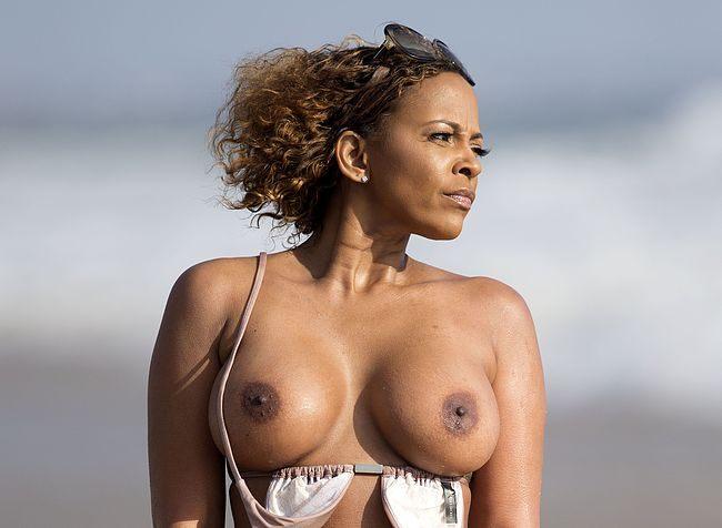 Sundy Carter Nude