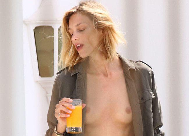Anja Rubik Nude