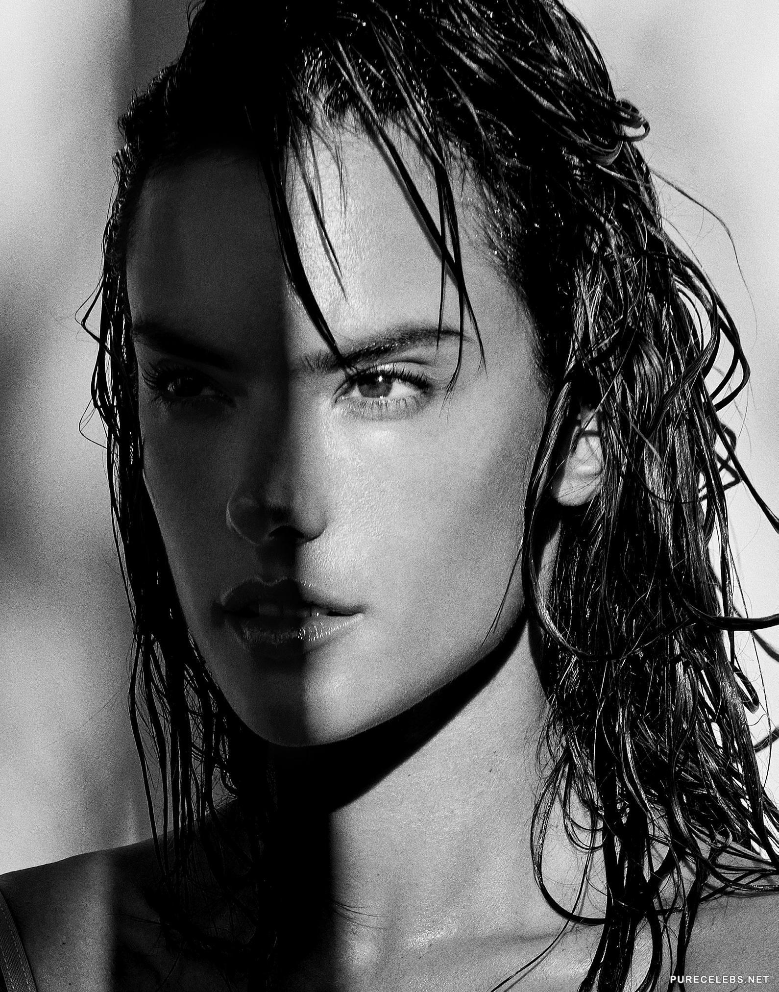 Alessandra Ambrosio Nude & Sexy (25 Photos) | #TheFappening