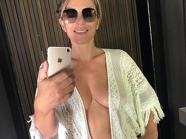 Elizabeth Hurley nude leaked celebrity