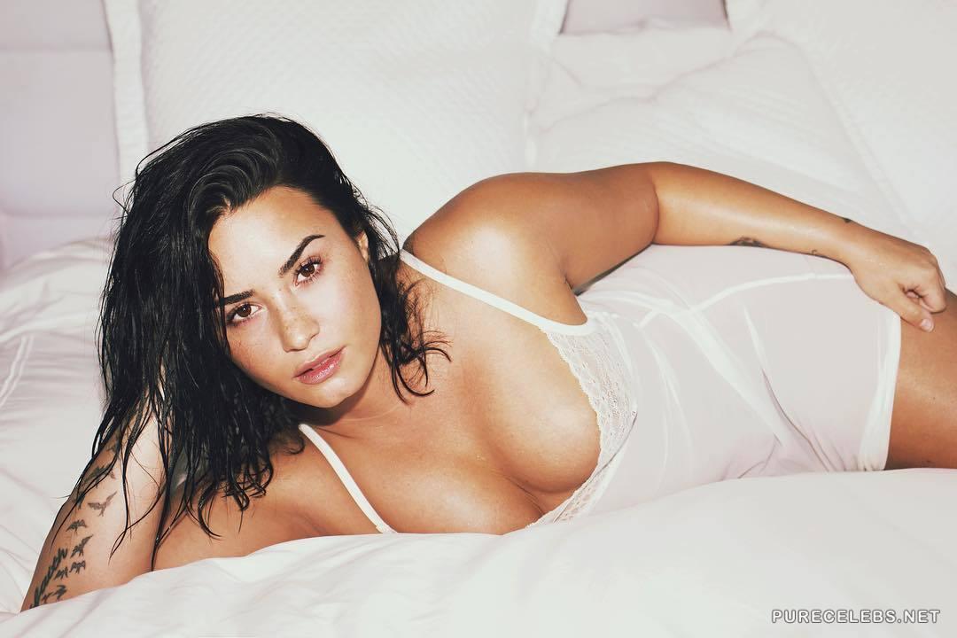 Demi Lovato Nude, Sexy, The Fappening, Uncensored - Photo