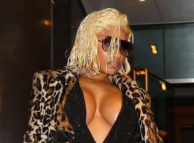 Nicki Minaj nude