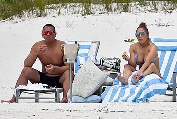 Jennifer Lopez nude