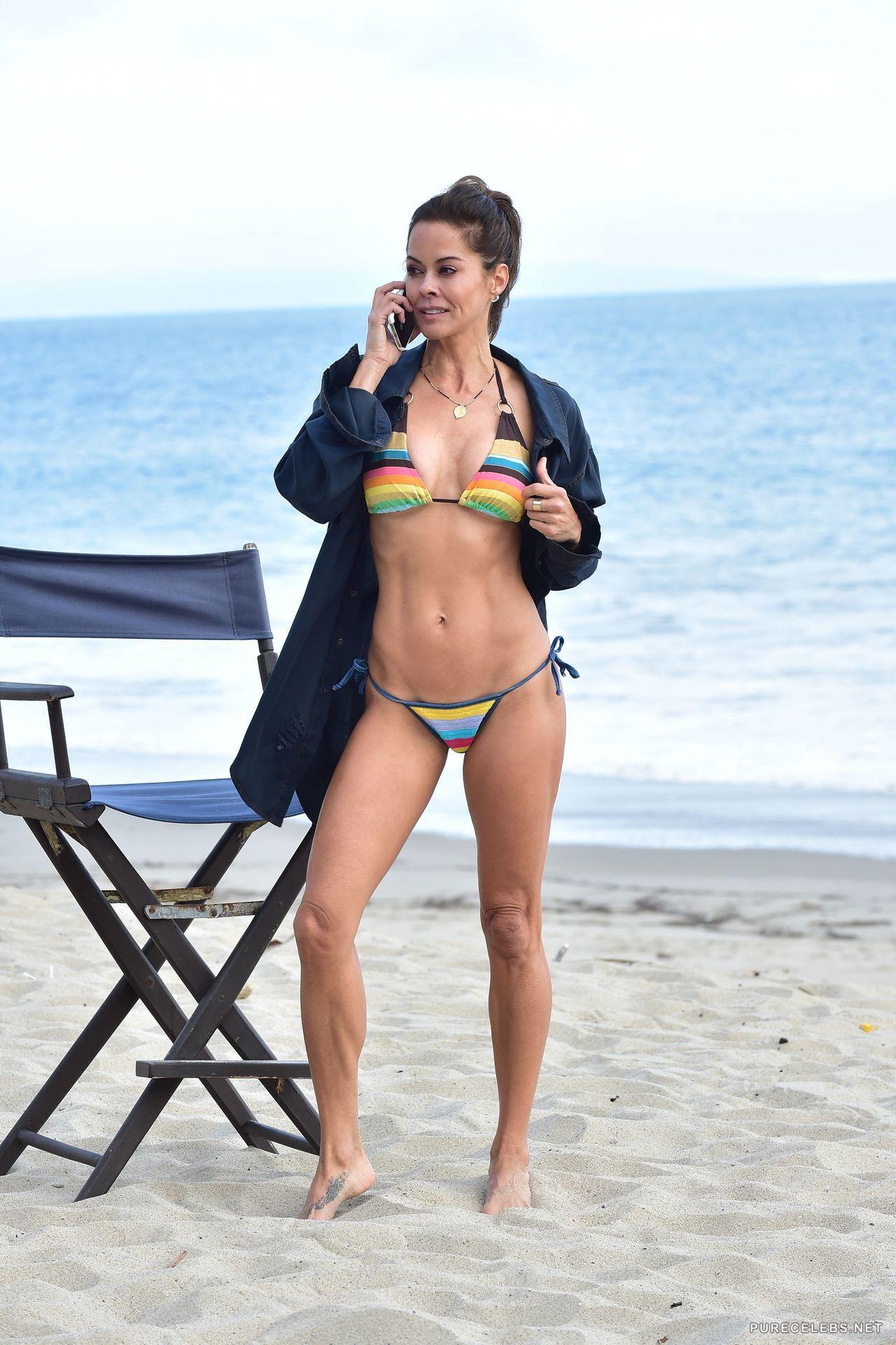 49 yr old cougar Brooke Burke showing off dynamite body in