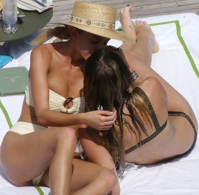 Miley Cyrus & Kaitlynn Carter nude