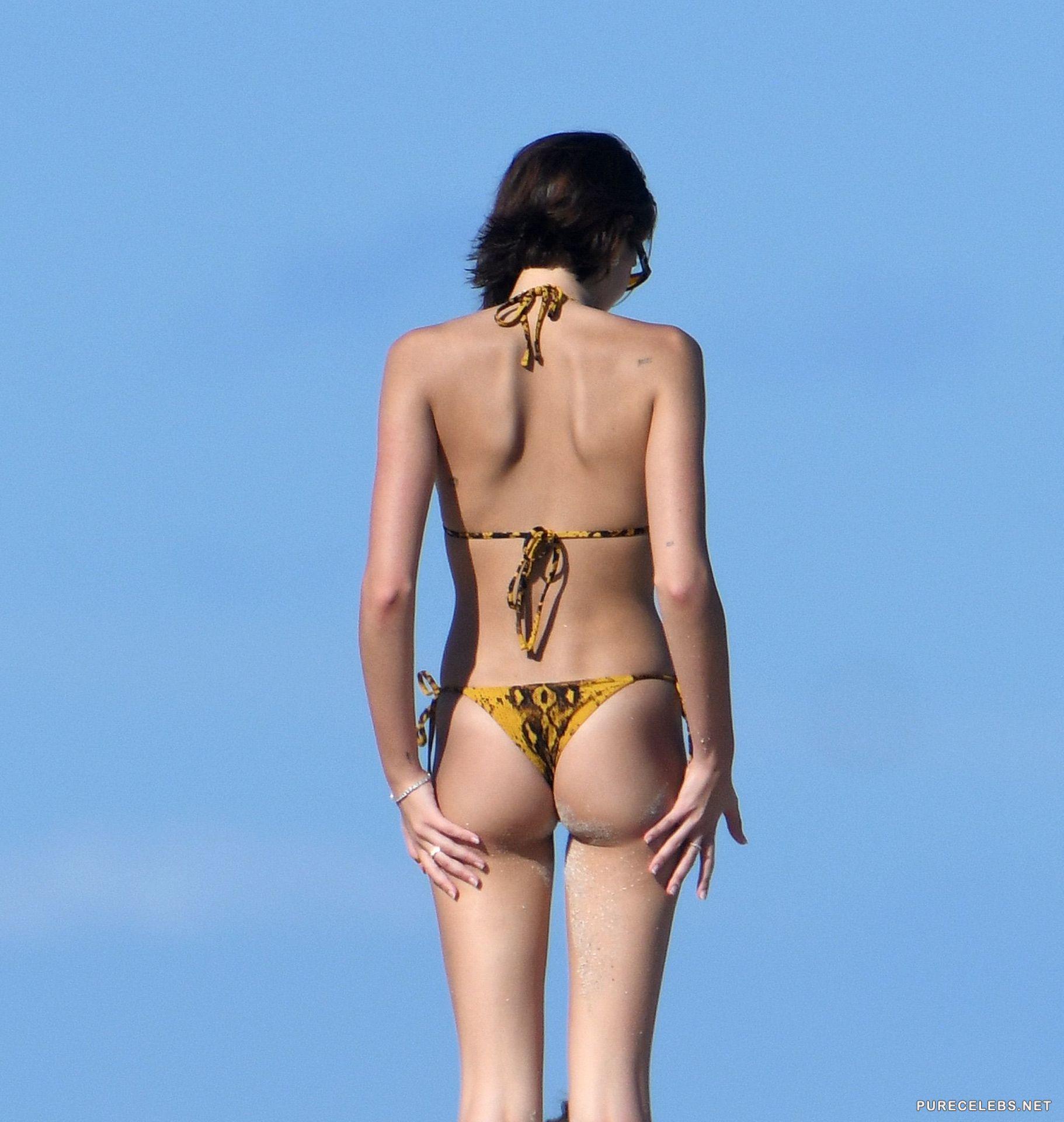 Naked kaia gerber 17 Pics