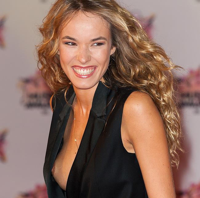 Elodie Fontan nude