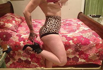 Danielle Colby nude