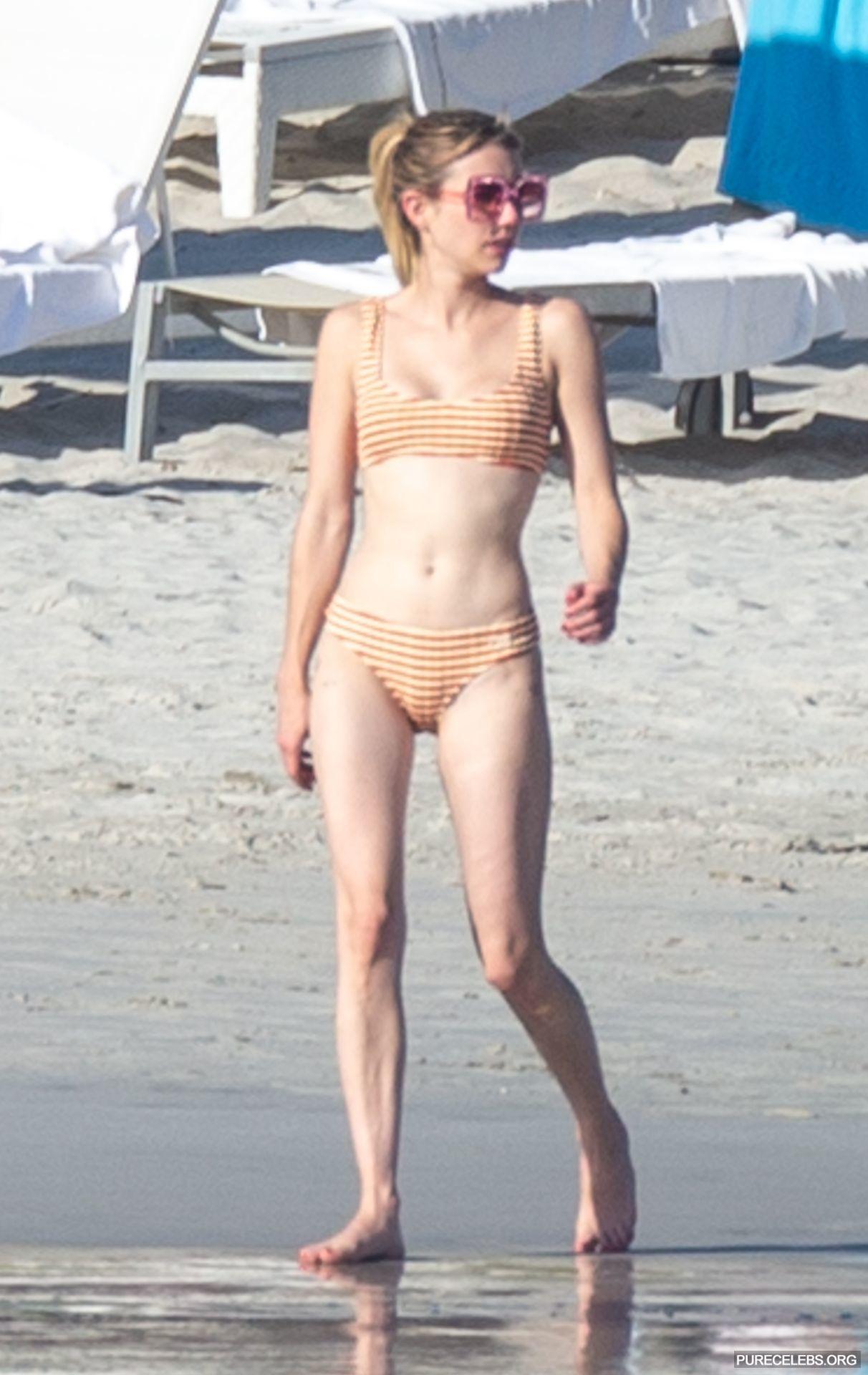 Roberts tits emma 49 sexy