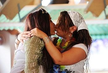 nicole polizzi kiss
