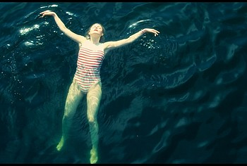 elle fanning bikini