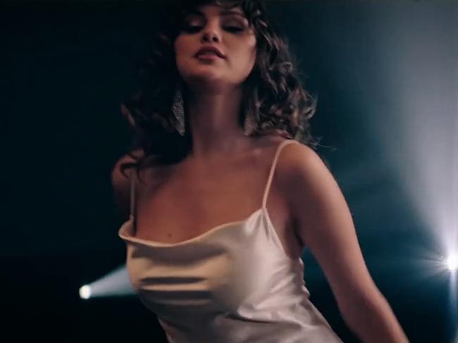 Selena Gomez nude leaked