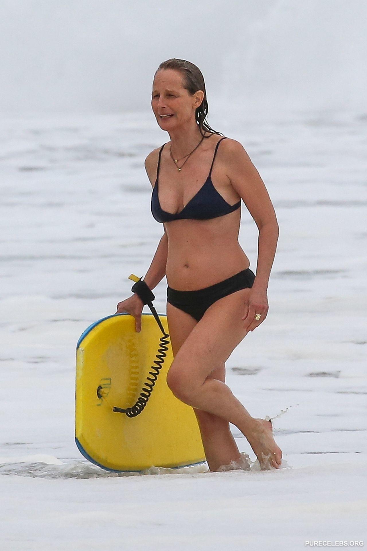 Helen Hunt Paparazzi Bikini Beach Photos - NuCelebs.com