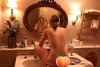 Dakota Fanning nude sextape leaked