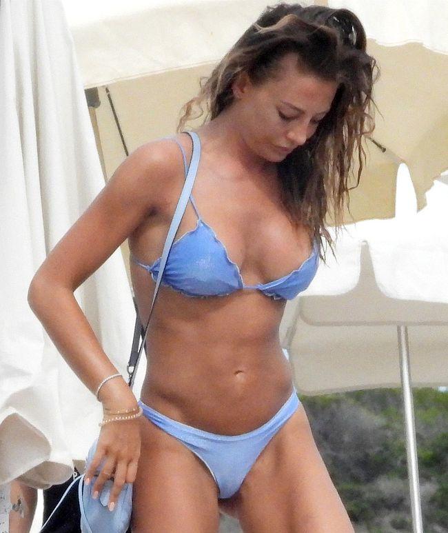 Alessia Tedeschi cameltoe