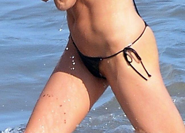 Charlotte McKinney pussy nude
