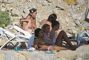 Rita Ora nipples