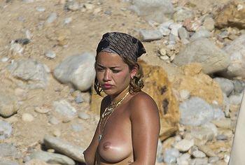 Rita Ora topless nude photos