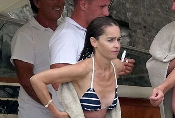 Emilia Clarke naked photos