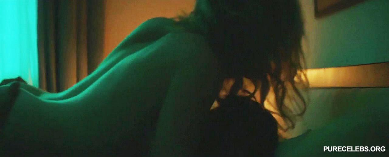 Taylor boobs eliza Sizing Up