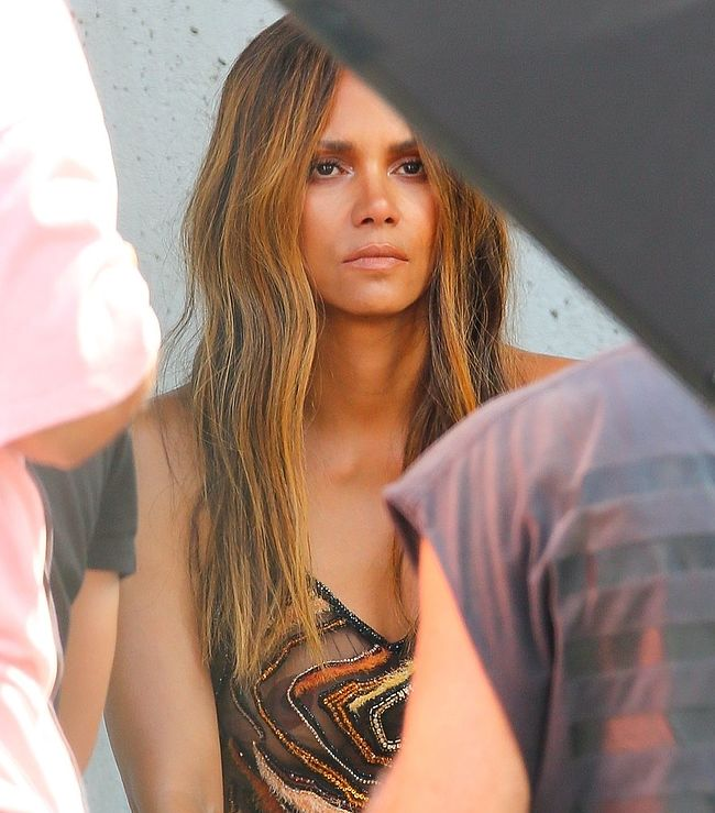 Halle Berry naked photos