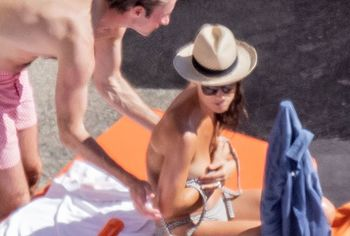Pippa Middleton nude topless