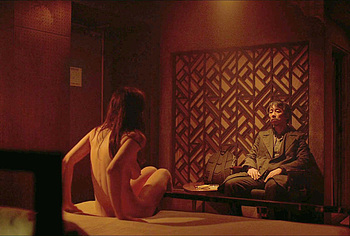 Alexandra Daddario nude scenes