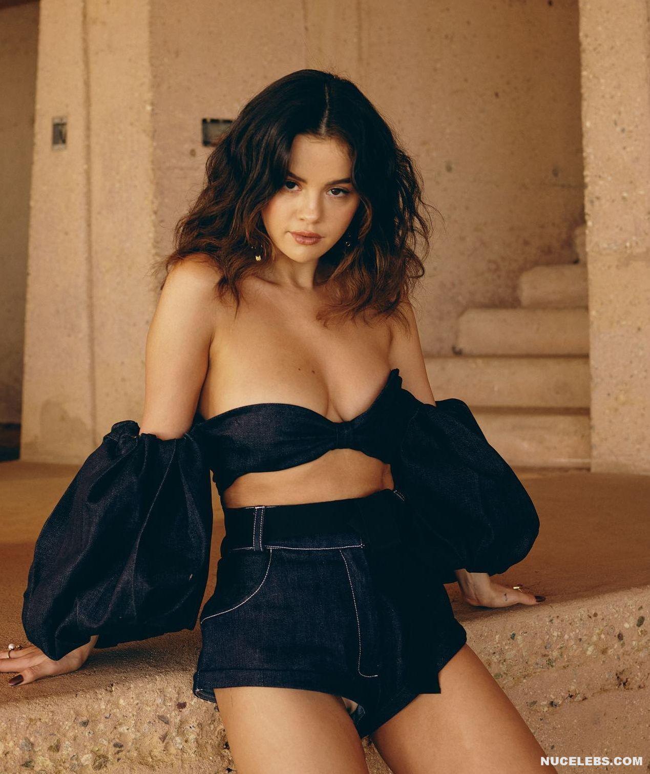 Nudes selena gomez Selena Gomez