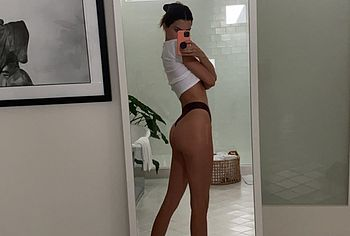 Kendall Jenner leaked nude