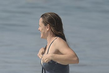 Jennifer Garner tits photos