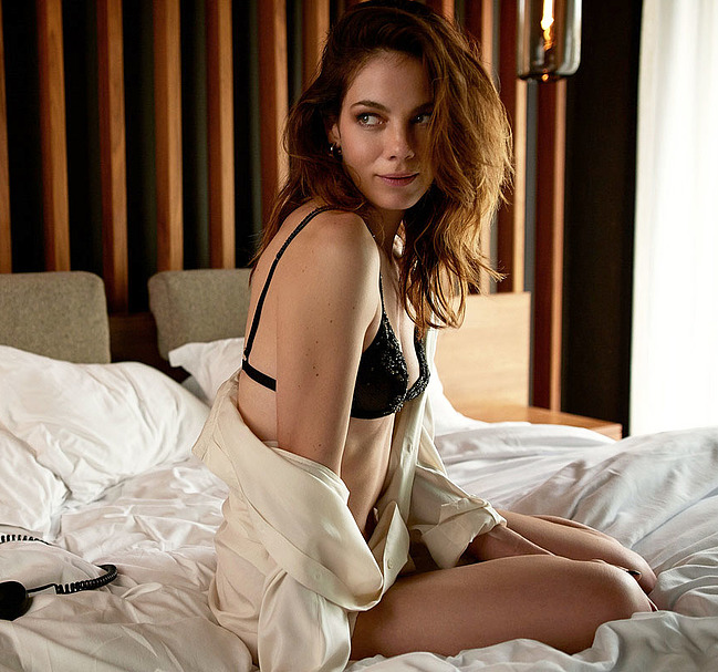 Michelle Monaghan lingerie tits