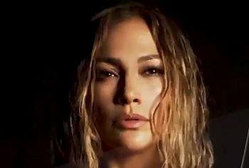 Jennifer Lopez topless photos