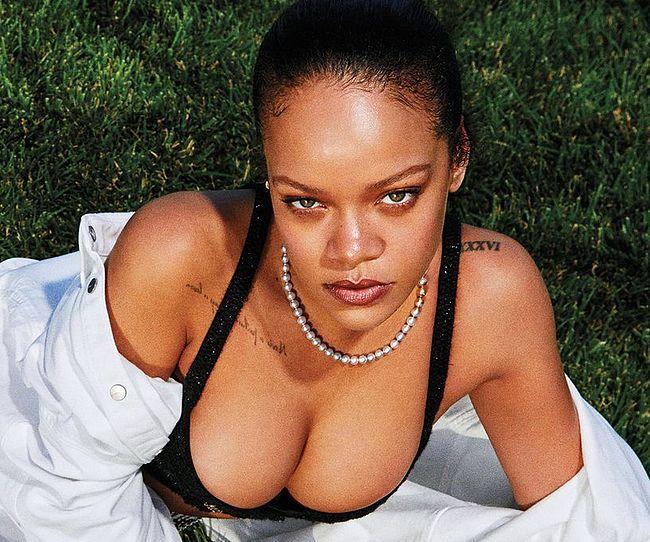 Rihanna nude photos