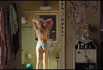 Обнаженные и лесбийские сцены Hunter Schafer из Euphoria - NuCelebs.com