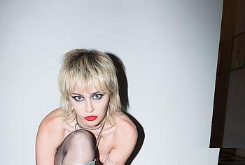 Miley Cyrus leaked nude sex