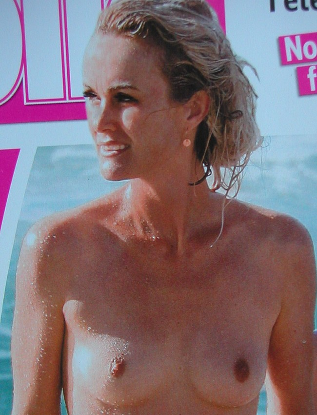 Laeticia Hallyday topless