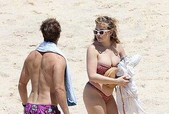 Abbie Chatfield bikini