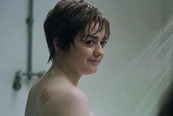 Обнаженные сцены из фильмов Maisie Williams
