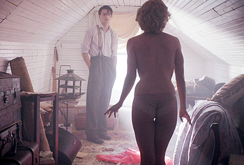 Обнаженные сцены из фильмов с Molly Burnett