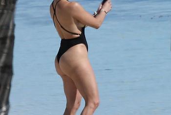Jennifer Lopez thong bikini