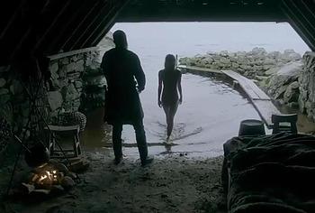 Люси Мартин обнаженные и секс-сцены из викингов - NuCelebs.com