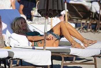 Фото киски и задницы Victoria Silvstedt - NuCelebs.com