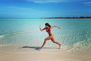 Nicole Scherzinger tits pics