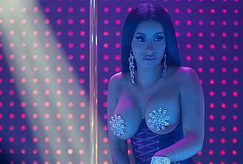 Cardi-B striptease