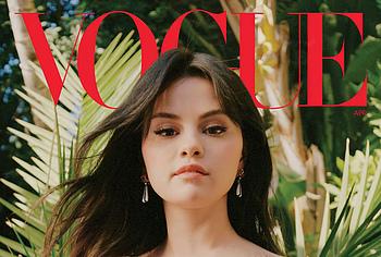 Selena Gomez tits photos