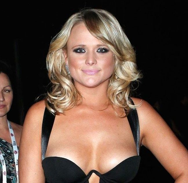 Miranda Lambert naked photos