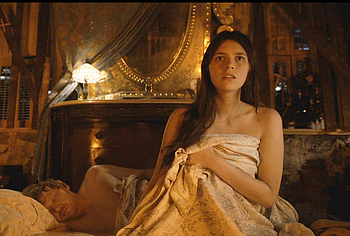 Nell Tiger Free naked movie scenes