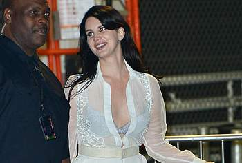 Lana Del Rey nipples photos